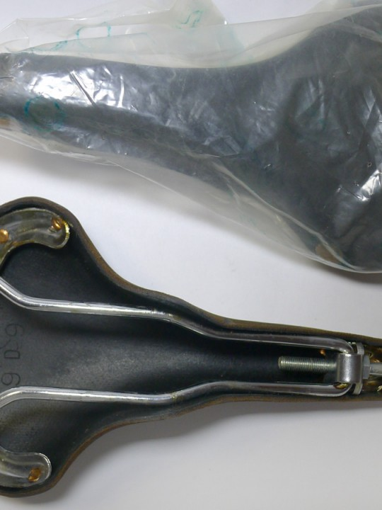 Brooks 'Professional Lüders edition' leather saddle (NOS/NIB)