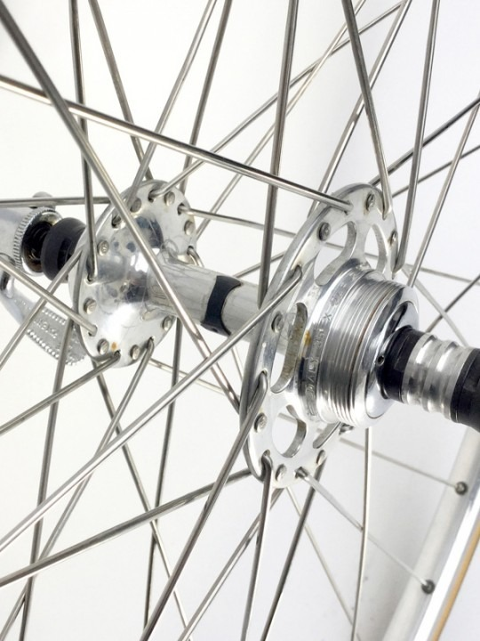 Campgnolo SR high-low flange on Mavic rims